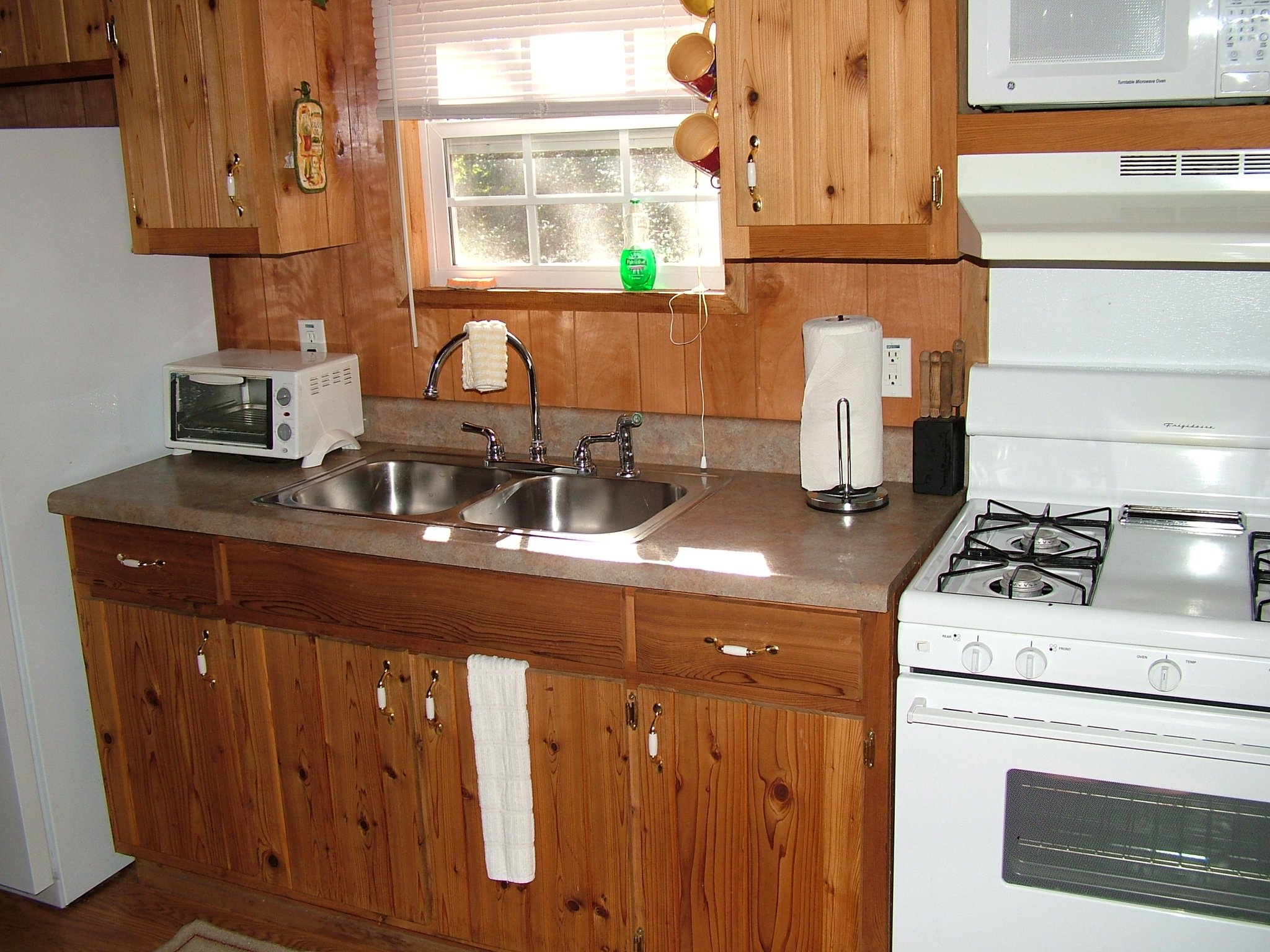 photo of kitchen in cabin
